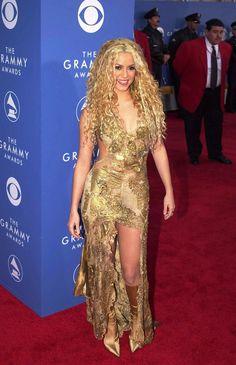 Shakira at the Grammys Grammy Fashion, Shakira Mebarak, Divas, Jennifer Aniston Style, Fashion Tights, Women's Fashion, Female Singers, Celebs, Celebrities