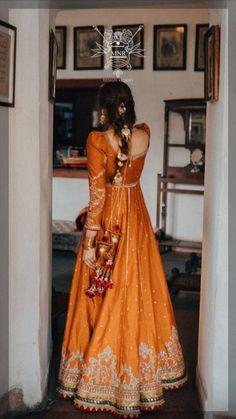 Pakistani Fashion Party Wear, Pakistani Wedding Outfits, Pakistani Dresses Casual, Indian Bridal Outfits, Pakistani Dress Design, Pakistani Clothing, Beautiful Pakistani Dresses, Wedding Hijab, Punjabi Wedding
