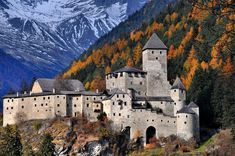 © Sandro Tasca Castel Tures, Italia (Tures Castle, Italy) The majestic castle of Campo Tures perfectly fits the scenery in which it is located, as the. Chateau Medieval, Medieval Castle, Beautiful Castles, Beautiful Places, Beautiful Pictures, Places To Travel, Places To See, Italy Landscape, South Tyrol