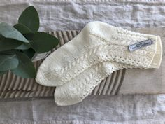 fikside – Strikkeoppskrift: Sunnivagenseren Fingerless Gloves, Arm Warmers, Knitting, Sweaters, Closet, Diy, Fashion, Threading, Mittens