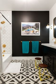 Brooklyn Brownstone's Bold Remodel Is Extraordinary This brownstone in Park Slope got a bold exterior paint job and a modern interior face lift.This brownstone in Park Slope got a bold exterior paint job and a modern interior face lift. Rental Bathroom, Bathroom Renovations, Bathroom Interior, Industrial Bathroom, Modern Bathroom, Bedroom Remodeling, Brown Bathroom, Bathroom Furniture, Black Bathroom Paint