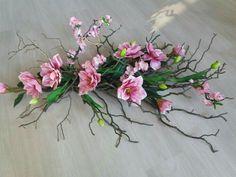 Ikebana, Floral Arrangements, Diy And Crafts, Glass Vase, Centerpieces, Floral Wreath, Wreaths, Plants, Wedding