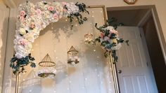 DIY- Floral Swag ArchYou can find Decoration wedding and more on our website. Diy Wedding Backdrop, Diy Backdrop, Backdrop Decorations, Diy Wedding Decorations, Balloon Decorations, Birthday Party Decorations, Wedding Centerpieces, Decor Wedding, Wall Backdrops