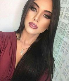 Fantastic 40 Christmas Makeup Looks Ideas - Prom Makeup Beauty Make-up, Beauty Hacks, Hair Beauty, Prom Makeup, Bridal Makeup, Fall Wedding Makeup, Bridesmaid Makeup, Sexy Make-up, Christmas Makeup Look