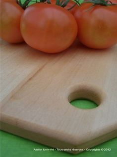 Cutting board with linseed oil and beeswax finish by Atelier Unik-Art  www.atelierunikart.com
