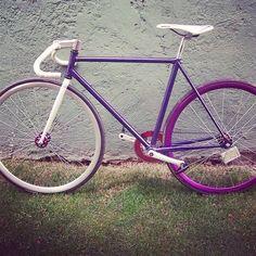 Fixie bike Dunno the make 😕, 👍 🔥 na Bici Fixed, Bmx Bike Parts, Dirt Bike Birthday, Fixed Gear Bike, Bike Wheel, Bike Frame, Cycling Art, Bmx Bikes, Bicycle Design