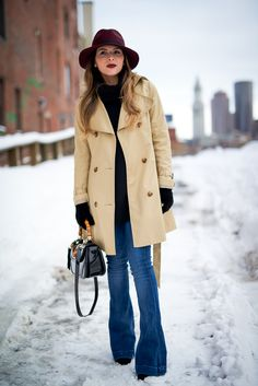 Jeans outfit winter, winter outfits, cute outfits with jeans, jean outfits Flare Jeans Outfit, Jeans Outfit Winter, Winter Outfits, Trench Coat Outfit, Winter Trench Coat, Trench Coats, Jean Flare, Cute Outfits With Jeans, Jean Outfits