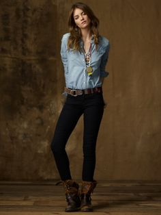 fitted button up, dark skinny jeans, short boots