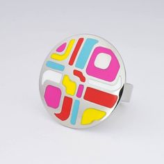 Brand new exclusive ring designs for 2018 are now available exclusively in the UK & Ireland from BrandLink-UK!    The house of Richard Klaus Weber creates great things and cool trends, newcomer jewellery and fashion jewellery.    High quality polished stainless steel rings, multi-colored enamel patterns with numerous designs, (30mm diameter) all hand made in Germany.    Sizes available from 54-58    Free Delivery approximately 14 days.   Shop this product here…