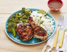 Try This Easy Sheet-Pan Spicy Peanut Chicken and Broccolithepioneerwoman Broccoli Recipes, Turkey Recipes, Meat Recipes, Chicken Recipes, Dinner Recipes, Cooking Recipes, Healthy Recipes, Dinner Ideas, Sheet Pan Suppers