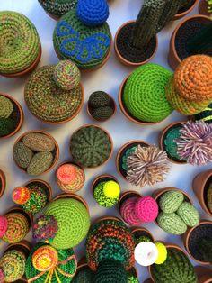 Vu d'en haut. Créations uniques de cactus en crochet Cactus En Crochet, Creative Workshop, Top