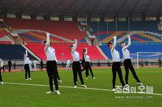 제47차 예술인체육대회가 진행되였다 (2)-《조선의 오늘》