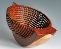 Hans Weissflog Wood Turning Lathe, Wood Creations, Wood Bowls, Made Of Wood, Wood Sculpture, Woodworking Tips, Wood And Metal, Wood Carving, Wood Art