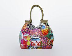Hippe schoudertas, Flower Power stijl,  hippie tote, sixties,  hippie busje, jute hengsels, ruime tas, grote handtas