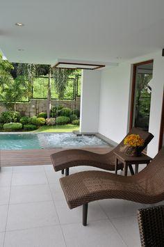 lanai+pool+garden