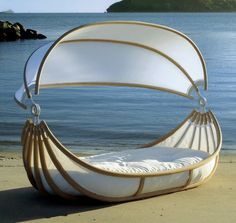 floating canopy bed - Click image to see this & find more Travel Pinterest pins