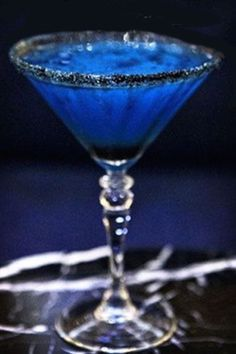 The 11 Best Halloween Cocktail Recipe Ideas - Witches Brew Halloween Cocktail