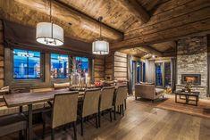 OPPLEV NYE RØROSHYTTA VISNINGSHYTTE! | FINN.no Cabin Homes, Log Homes, Timber Cabin, Rustic Elegance, Hostel, Rustic Decor, Real Estate, Contemporary, Table