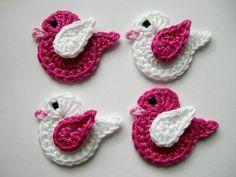 Crochet applique, 6 small crochet birds, cards, scrapbooks, appliques and embellishments Crochet Fish, Crochet Birds, Crochet Teddy, Cute Crochet, Crochet Motif, Crochet Designs, Crochet Flowers, Baby Knitting Patterns, Crochet Patterns