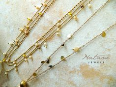 Natanè on a tile. Necklaces, Jewels, Chain, Tile, Shopping, Photos, Mosaics, Pictures, Bijoux