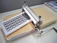 máquina de corte e vinco manual 31 cm de corte