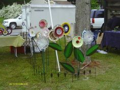 Garden Glass Flowers On Display (by: Whimsical Garden Art, Inc.)