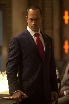 I can't seem to shake the feeling that Elliot Stabler is just undercover in this season of True Blood.
