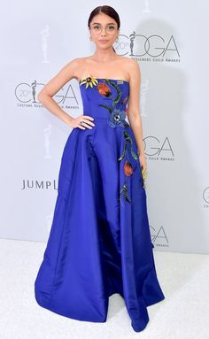Sarah Hyland in a Carolina Herrera blue dress