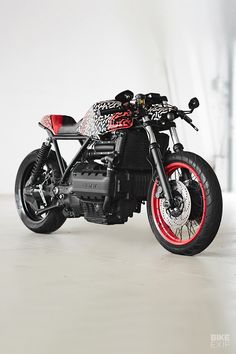 A camouflaged BMW (with an e-bike to match) - BMW cafe racers, scramblers and bobbers - Cafe Racer Style, Bmw Cafe Racer, Bmw Motorcycles, Custom Motorcycles, Bmw K1100, Single Speed Road Bike, K100 Bmw, Motorcycle Wallpaper, Easy Rider