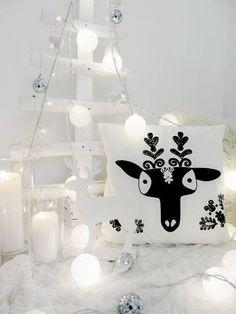 Nuostabi kalėdinė / namų interjerą sušildanti dekoracija - medvilne dekoruotos lemputės