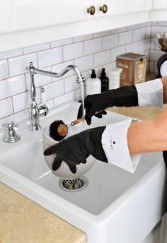 Long dishwashing gloves from the Dermosil Living series. Dishwashing Gloves, Scandinavian Home, Kitchen Living, Instagram Accounts, Instagram Posts, Interior, Anna, Inspiration, Action