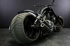 Harley V-ROD 330 Wide Tire Custom [V-REX]  http://www.so-bad-review.com/