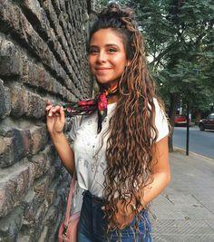 Ideas For Hair Curly Natural Latina Curly Hair White Girl, White Blonde Hair, Long Hair Cuts, Long Curly Hair, Wavy Hair, Camila Gallardo, Crimped Hair, Natural Hair Styles, Long Hair Styles