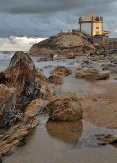 Senhor da Pedra - Praia de Miramar, Vila Nova de Gaia Portugal