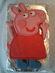 Bake a Peppa Pig Birthday cake - #Recipe #Peppa #PeppaPig #Baking