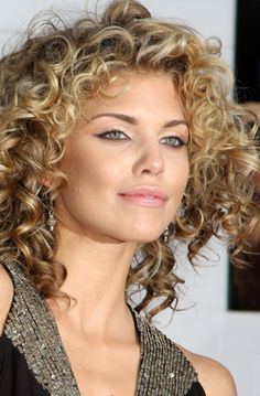 Astounding Round Faces Curly Hairstyles And Hairstyles On Pinterest Short Hairstyles Gunalazisus
