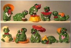 Teeny Terapins. Kinder used to have such amazing collections. I loved the one with the egg the most.