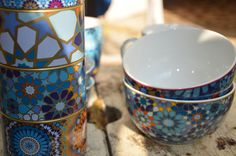 New Porcelain and tin boxes . Moucharrabieh