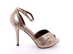 Me encantan, los mejores zapatos para irse de fiesta. #tendencias #tendencia #zapatos #fashion #tiendaonline #zapato #shoes
