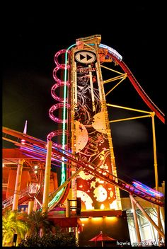 pretty much the best idea ever... straight up then drop and twist... listening to your favorite song... and they even make a music video of you!! Rip Ride Rock-It Universal Studios!