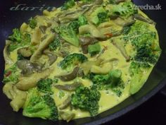 Brokolicovo-hlivové karí (fotorecept) Broccoli, Menu, Chicken, Vegetables, Food, Dental Caries, Menu Board Design, Vegetable Recipes, Eten