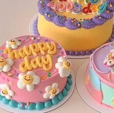 Pretty Birthday Cakes, Pretty Cakes, Beautiful Cakes, Amazing Cakes, Funny Birthday Cakes, Mini Cakes, Cupcake Cakes, 3d Cakes, Korean Cake