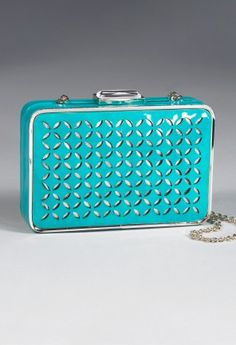 the color of this little clutch is so cute!
