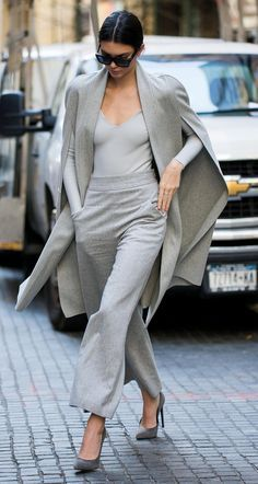 How to Look Expensive on a Budget / Geekglamma Pastel Outfit, Grey Outfit, Outfit Work, Monochrome Fashion, Grey Fashion, Look Fashion, Monochrome Outfit, Modern Fashion Style, Modern Fashion Outfits