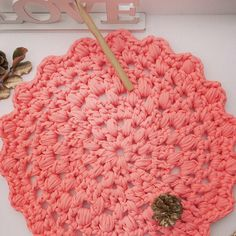"""#Alfombra #trapillo #trapilloxxl #color #coral  #Lapeniscolana #Mitrapillo #ganchilloxxl #ganchillo #ganxetadicte #ganxet #croche #crochetaddict #crochet…"""