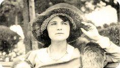 Primeiras Impressões: Escritoras Famosas: Florbela Espanca