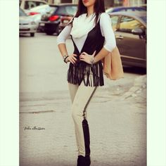 New In ! +962 798 070 931 ☎+962 6 585 6272  #ReineWorld #BeReine #Reine #LoveReine #InstaReine #InstaFashion #Fashion #Fashionista #FashionForAll #LoveFashion #FashionSymphony #Amman #BeAmman #Jordan #LoveJordan #ReineWonderland #ReineWinterCollection #WinterCollection #LayaliCollection #dubaifashion #kuwaitfashion #Kuwait #Fringe #Leather #Vest #LeatherVest #FringeVedt