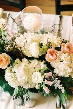 Gorgeous wedding centerpiece idea; photo: Lisa O'Dwyer