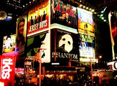 Really missing New York right about now, well not New York. Mostly just Broadway, and then everything else about New York. #citygirl #broadwaybound
