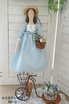 For handmade dolls that have interchangeable eyes and mouths, visit jessicadolls.com!